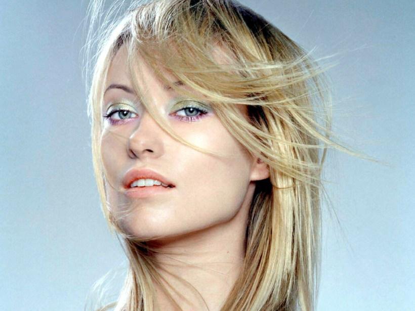 Olivia-Wilde-golden long hair