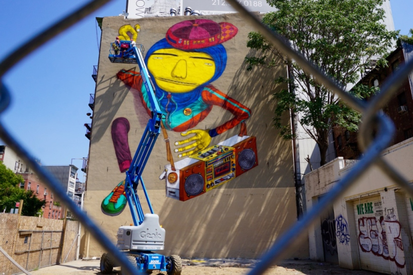 os-gemeos-creates-a-new-york-mural-tribute-to-hip-hop-2