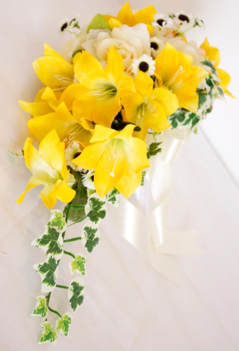 arranha-ceu-lirios-rosas-cascata-buque-de-noiva-amarelo