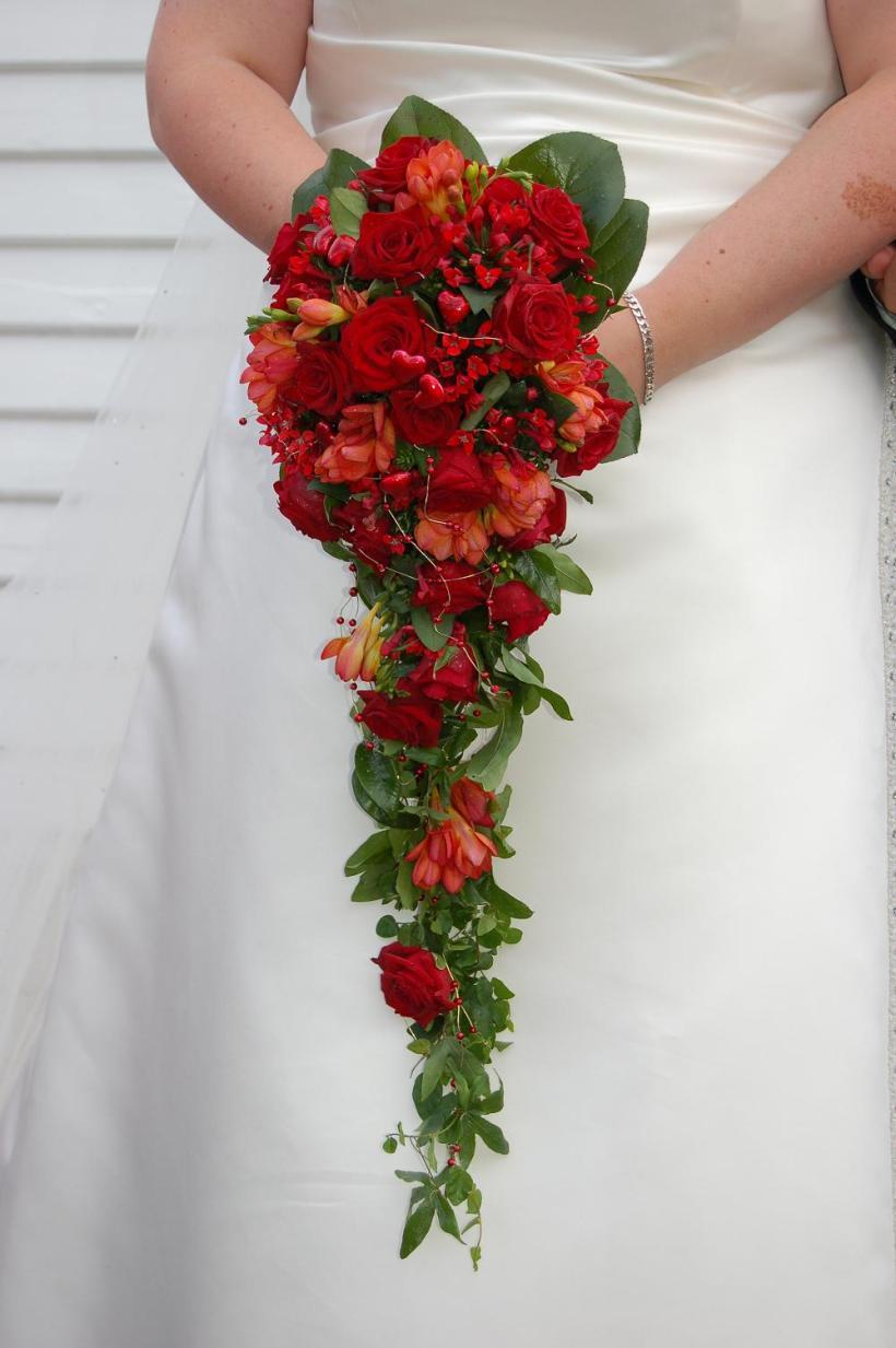 bouquet-cascata-vermelho