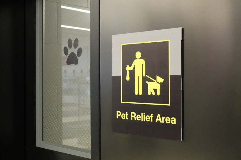 AIRPORT_PET_RESTROOMS_55448789-800x533.jpg