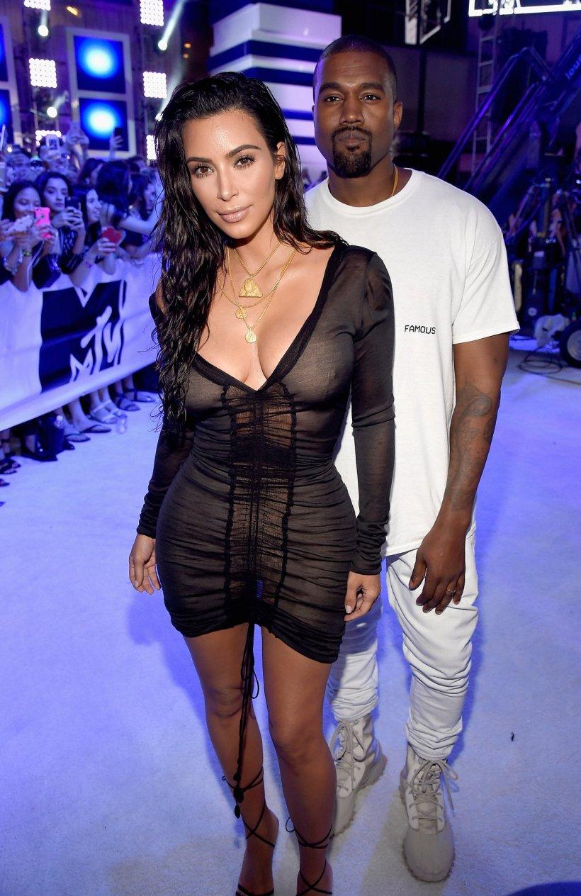 kim-kardashian-kanye-west-vma-look