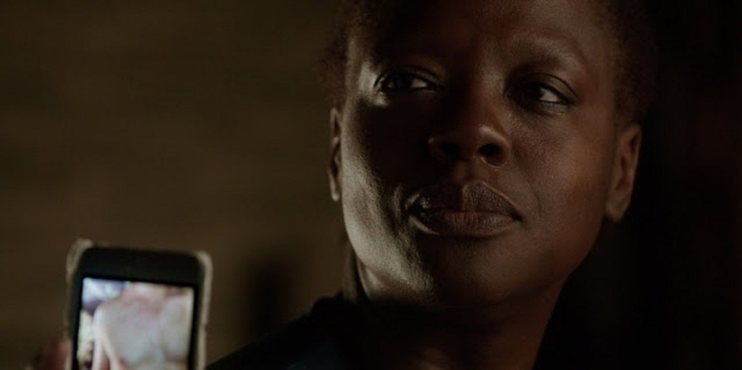 annalise-keating-penis-on-phone.jpg