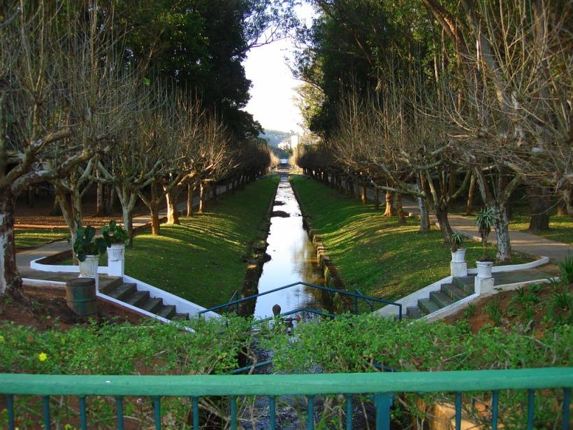 Parque-das-Aguas-Caxambu-MG-Canal-das-Aguas.jpg