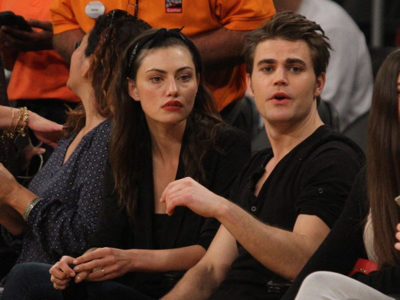 phoebe-tonkin-and-and-paul-wesley-at-la-lakers-game_12.jpg